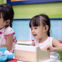 2歳児が楽しむごっこ遊びの種類。子どもといっしょにごっこ遊びを楽しもう