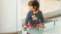 赤ちゃんが使用するコーナークッション。種類や色の選び方