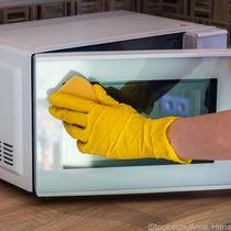 電子レンジの掃除をしたいとき。庫内やターンテーブルの掃除の仕方