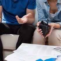 【調査】お金が貯まらない家庭は「夫婦別財布」?みんなのお財布管理と貯金事情
