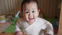 生後9ヶ月の赤ちゃんのパジャマ。着せ始める時期や季節での選び方