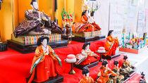 ひな祭りに楽しむひな壇の飾り方。ひな人形の配置を確認しながら飾ろう