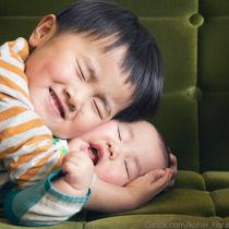 子どもの赤ちゃん返り。家や保育園での様子とママたちの対処法