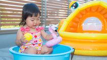 水遊びに楽しい遊び道具。身近なものを使った手作りアイディア