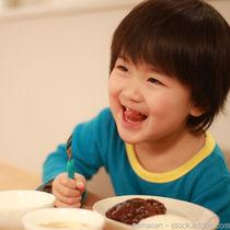 幼児食に作る年齢別のハンバーグレシピ。豆腐や野菜を使ったアレンジレシピ