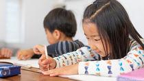 兄弟で学習机を用意するタイミング。配置方法や選び方