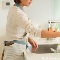 専業主婦と収入について。共働き世帯はどれくらい?