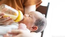赤ちゃんに与える粉ミルクの種類やタイプと選び方