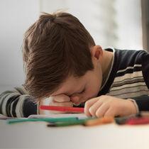 【子どもの睡眠】忙しい夜が睡眠負債を呼び、学校生活を困難に