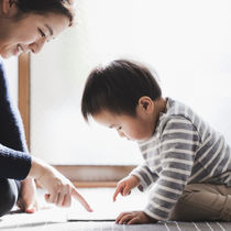 幼児期の性教育、家庭での実施率は約2割。できない理由は「教え方がわからない」が最多