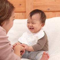 保育士の96%が「ママ・パパに勧めたい」と回答!赤ちゃんがよろこぶマシュマロガーゼ®