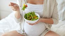 妊娠中の食べ物で気をつけること。意識したい栄養素と食事メニュー