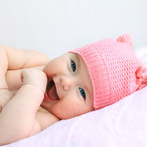 生後3カ月の赤ちゃんの特徴は?授乳や健康管理、服装、すごし方