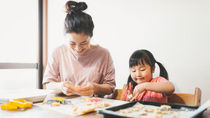 【親子クッキング記事5選】おうち時間に子どもと料理を楽しむレシピとコツ