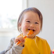 1歳児の食事事情。離乳食の進め方や取り入れられる食材を使ったメニューなど