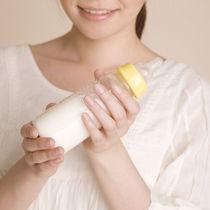 哺乳瓶の使い方のポイント。消毒方法や外出先での哺乳瓶の使い方