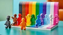 LGBTQIA+の象徴レインボーフラッグモチーフのレゴセットが登場