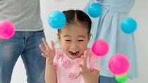 幼児期におすすめのボール遊び。2歳から5歳の年齢別に合った楽しみ方