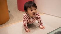 生後4か月の赤ちゃんの洋服。特徴や種類、形などの選び方