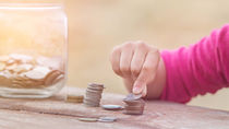 小学生になったら始めよう。家庭で取り組む、子どものお金の教育