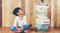 子どもの本棚やキッズ家具で、絵本を上手に整理したい