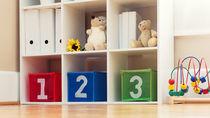リビングのキッズスペースを作るには。子ども用本棚の活用など