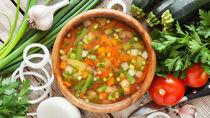 離乳食はいつから?野菜スープの離乳食時期別の進め方とアイディア