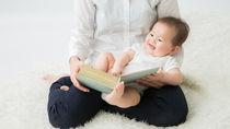 赤ちゃんへの寝る前の絵本の読み聞かせはいつから?乳児の本選びのポイント