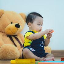 【小児科医監修】乳幼児に多い誤飲と対処法(ビニール、薬、アルコール、洗剤、タバコなど)