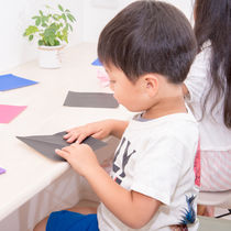 4歳児の子どもが2人でできる面白い遊びとは。室内遊びと外遊びのシーン別の遊び方