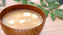 離乳食はいつから?味噌汁の離乳食時期別の進め方とアイディア
