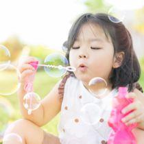 2歳の子どもの外遊びグッズ。海や公園、BBQ(バーベキュー)などシーン別の遊び道具