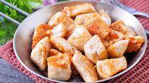 離乳食完了期の鶏肉のレシピや先輩ママたちの工夫したポイントを紹介