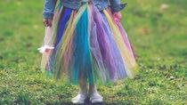 女の子のキッズ用ボトムス。スカートやパンツなどの種類と選び方