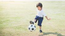 子ども用のサッカーシューズの選び方。種類や洗い方について