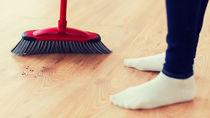 無垢材のフローリング、美しさを長持ちさせる掃除のコツとは