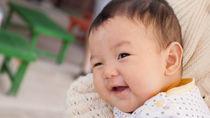 生後4カ月でおもちゃに手を伸ばさない場合。手作りや人気のおもちゃも遊ばない?