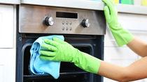知っておきたいオーブンの掃除方法とコツ。あると便利な掃除道具