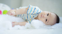 生後7カ月の赤ちゃんが寝ないときの、寝かしつけのコツと対策