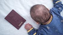 新生児のパスポートはいつから申請できるのか。準備するべきものや必要書類など