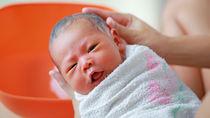 【体験談】新生児のお風呂はいつから?お風呂の入れ方やコツ、お風呂グッズなど