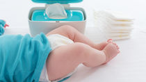 新生児用のオムツはいつまで?オムツの選び方やサイズアップをするときの目安