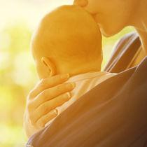 生後2ヶ月の赤ちゃん向けの抱っこ紐の種類や選び方、注意点とは