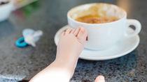 生後2ヶ月の赤ちゃんとの外食にベビーカーや抱っこ紐は必要?夜や冬の注意点など