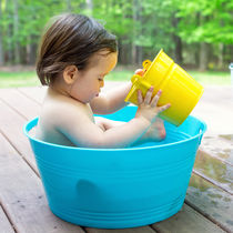 2歳児の水遊び。最適なおもちゃや手作りおもちゃと楽しむためのコツ