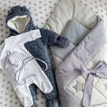 生後5カ月の赤ちゃんとの外出。冬や夏など季節に合わせた服装や気をつけるポイント