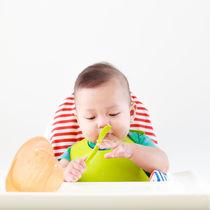 生後6カ月の離乳食。1週間分の献立例やメニュー、離乳食作りを楽にするコツ