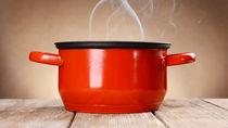 離乳食に使いたい鍋の選び方。離乳食に利用しやすい鍋の種類や、おかゆなど鍋を使ったレシピ