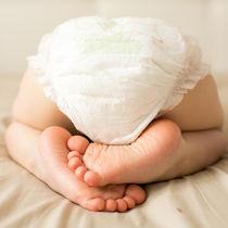 【小児科医監修】赤ちゃんの下痢が続くとき。緑色など便の色別に原因を解説