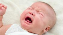 【体験談】乳幼児の夜泣きが激しいときの対処法。抱っこでの寝かしつけや昼寝とのバランス